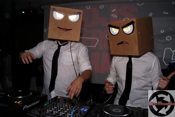 Le scatole di Marte, DJs From Mars