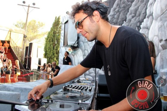 Il dj Grazzini nello Zoo musicale d'Ibiza