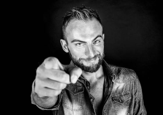 Dino Brown, talent scout con remix contest, e le sue date
