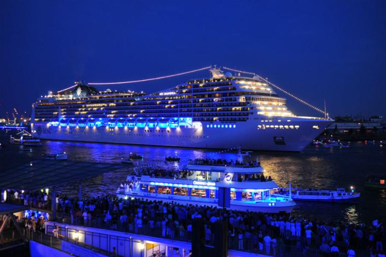 A tutta elettronica da Genova a Ibiza, MDRNTY Cruise