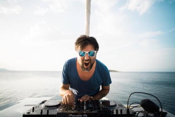 Benny Càmaro i remix e la sua musica